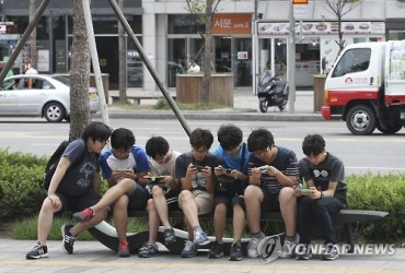 12 pct of Young Children Use Smartphones Every Day: Survey