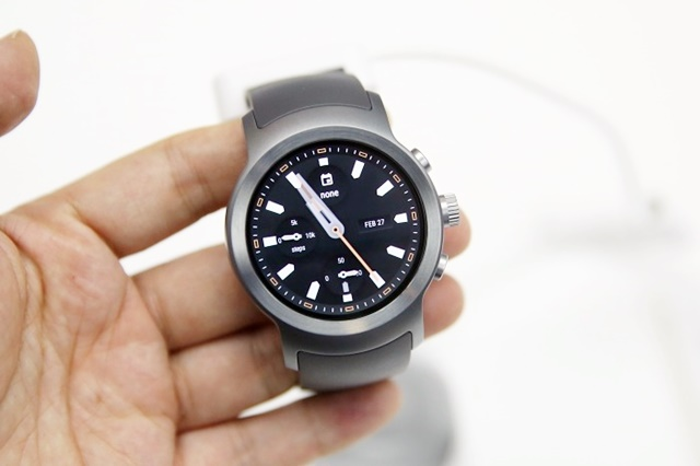 LG Electronics to Release New Smartwatch Next Month: Sources