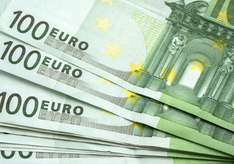 Colliers International Issues €210 Million of Senior Notes