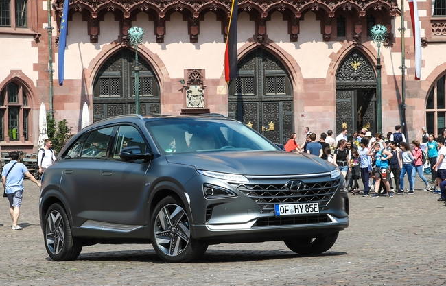 Hyundai and Volkswagen Form Partnership to Develop Hydrogen Cars