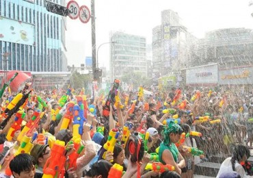 Water Gun Festival Comes to Sinchon Streets This Weekend