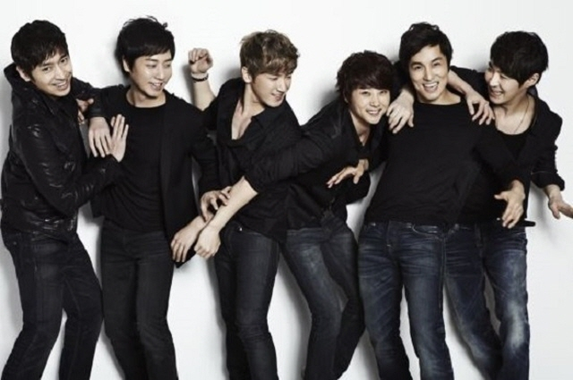 Boy Band Shinhwa to Celebrate 20th Anniversary with New Album, Concert