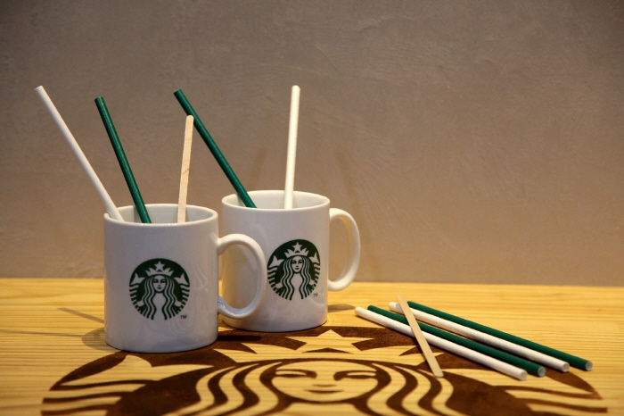 Starbucks Coffee Korea Co. has been staging a Greener campaign since July of last year with the aim of reducing the use of plastic in its stores. (image: Starbucks Coffee Korea)