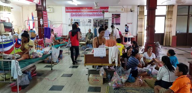 Korean Medical Team Helps Flood Victims in Laos