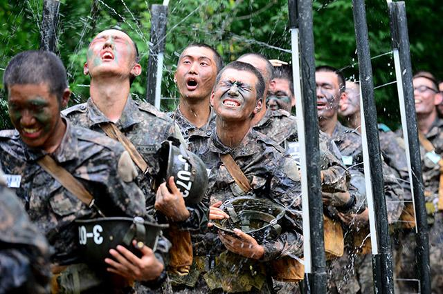 Army Training Halted at Temperatures 35 Degrees and Above