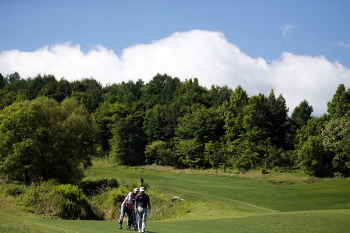 The greenery in golf courses absorbs 734,000 tons of carbon dioxide. (image: Korea Professional Golfers' Association)