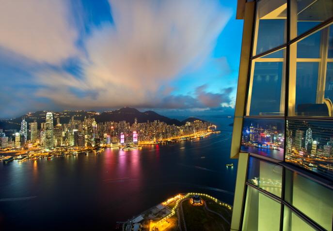 (image: sky100 Hong Kong Observation Deck)