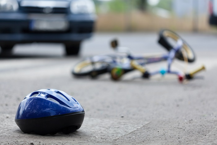 The number of bicycle accidents, in actuality, has been falling, with 4,062 cases reported in 2015, 3,503 cases in 2016, and 2,990 cases last year. (Image credit: Kobiz Media)