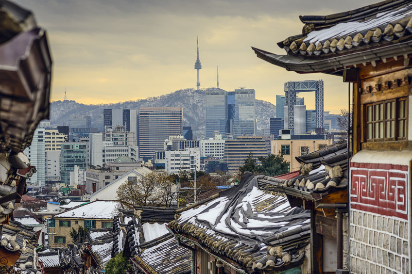 According to data released by Statistics Korea yesterday, the average living space per household in the Seoul region was 62.3 square meters, clinching the national title of the smallest living space of any location, far below the national average of 69.4 square meters.  (Image credit: Kobiz Media)