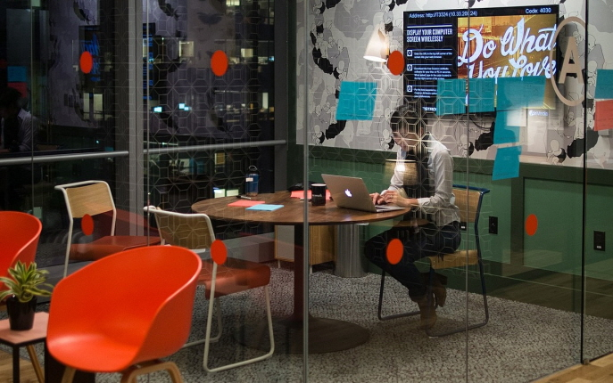 WeWork not only provides workspaces, but also offers networking opportunities, education, and mentoring programs to startup companies via WeWork Labs. (image: Public Domain)