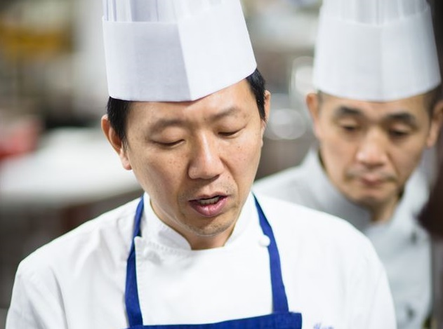 Korean chef Eo Yun-kwon proposed an open cooking competition to prove his point in regards to Michelin's selection process. (image: Eo Yun-kwon)
