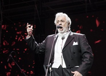 Legendary Opera Singer Placido Domingo Wows Local Crowd