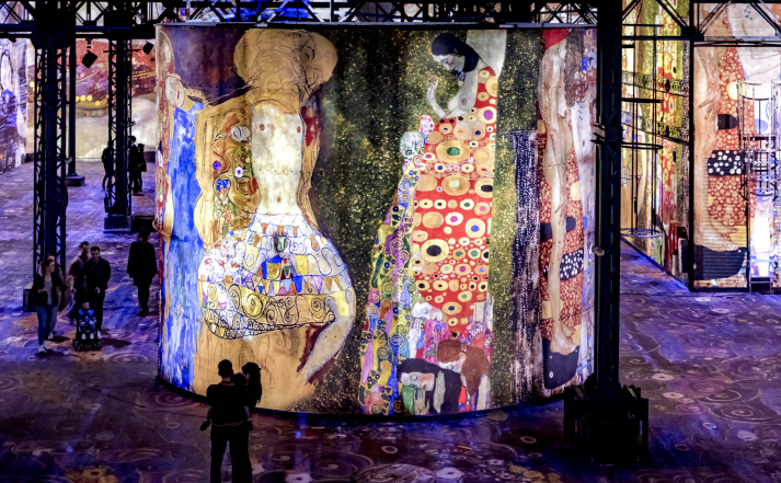 The exhibition, scheduled in time to commemorate the 100th anniversary of Klimt's death, will allow visitors to enjoy the artist's works of golden hue in a pitch-dark bunker. (image: TMONET)