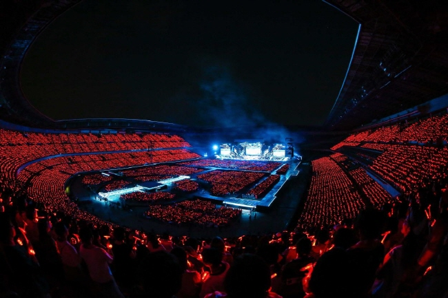TVXQ's concert at Nissan Stadium, also known as International Stadium Yokohama, in Japan in June 2018. (image: SM Entertainment)