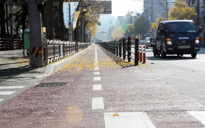 Lots of Bicycle Paths in Busan – but Few Cyclists