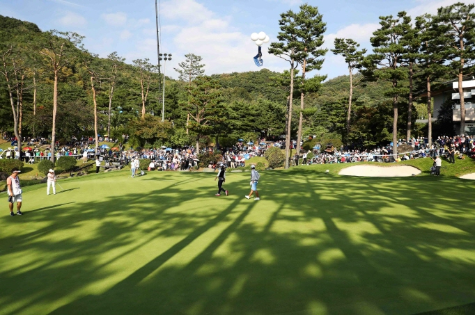 There is no denying the passion that Koreans have for golf, even compared to golf enthusiasts in the U.S. and Japan. (image: KLPGA)