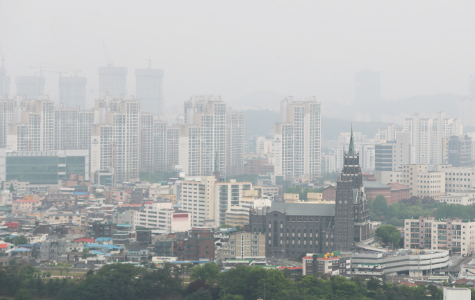 Suwon Expands Green Spaces to Tackle Fine Dust
