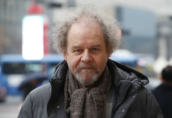 Film director Mike Figgis stated that Korean actors were extremely well-versed in their acting skills, one reason why any director would want to come to Korea to work in the industry. (image: Yonhap)