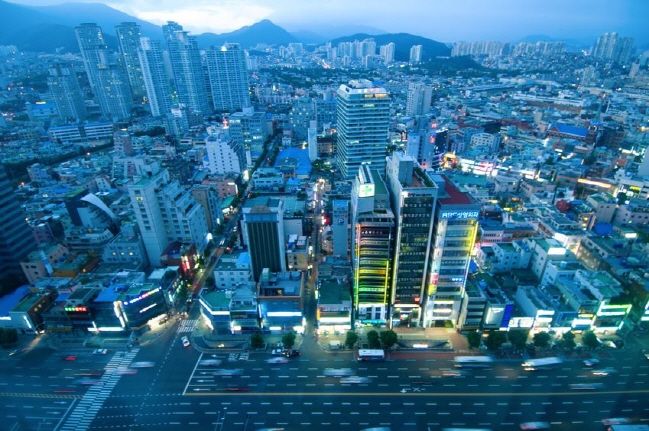 The new address system will allow users to locate non-stationary places such as underground markets, bridges, and food trucks, which can be used for drones, autonomous driving vehicles, and other new technologies. (image: Korea Bizwire)