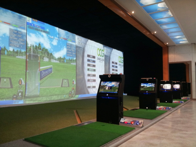 South Korea, which is currently the third-largest golf market in the world behind the United States and Japan, has witnessed a surge in the number of screen golfers over the years. (image: Golf Total Solution)