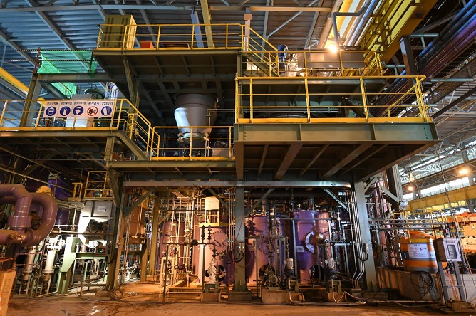 Posco's upcoming lithium plant in Gwangyang will begin producing 30,000 tons of lithium hydroxide and lithium carbonate annually starting in 2020, using lithium concentrate supplied by Pilbara Minerals. (image: POSCO)