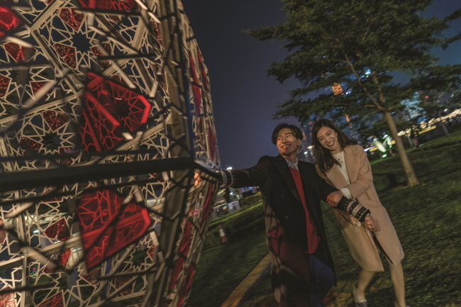 "Art Installation - The ""Geometry of Love"". (image: HKTB)"