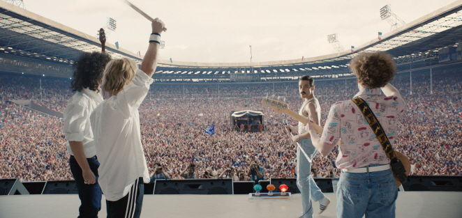 "A scene in the movie ""Bohemian Rhapsody"" that depicts the legendary British rock band Queen's performance at Live Aid in July 1985. (image: 20th Century Fox Korea)"