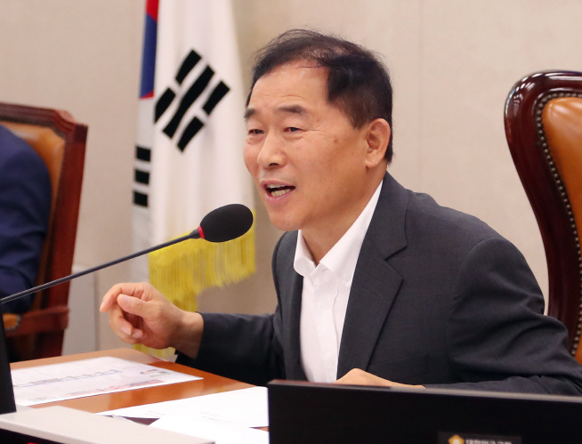 Rep. Hwang Ju-hong of the minor opposition Party for Democracy and Peace. (image: Yonhap)