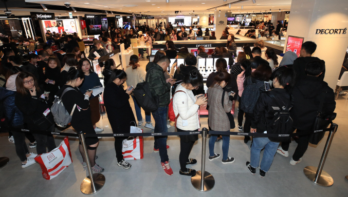The Korea Tourism Organization said the number of Japanese visitors to South Korea came to 258,521 in December, up 33.5 percent on-year. (image: Yonhap)