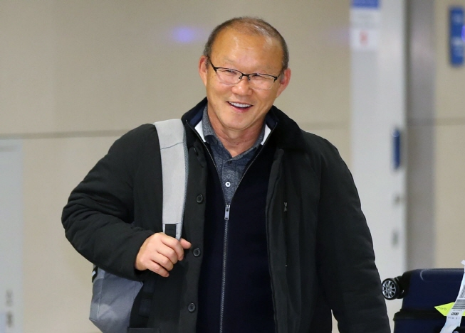 South Korean football coach Park Hang-seo, who leads the Vietnam national football team, arrives at Incheon International Airport in Incheon on Jan. 29, 2019. (Yonhap)