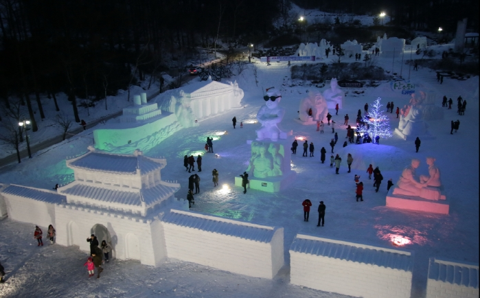 Taebaek Festival Features Super-sized Snow Sculptures