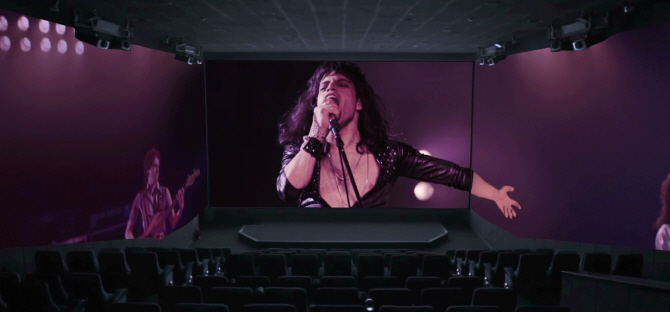 "A scene from ""Bohemian Rhapsody"" screened in a ScreenX room. (image: CGV)"