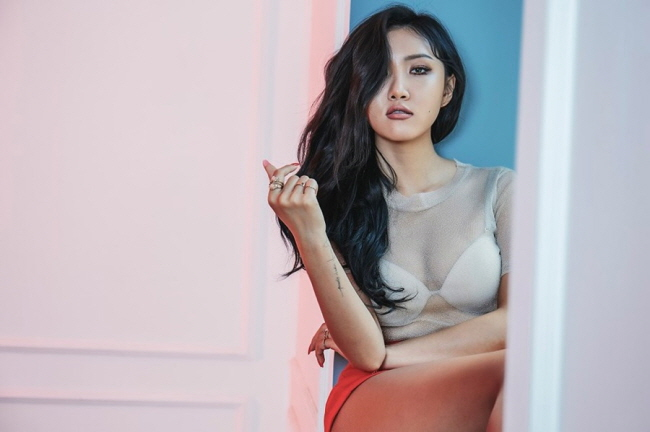 Mamamoo's Hwasa to Release First Solo Album Next Week
