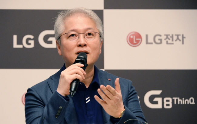 In the first media gathering since taking office in November, the head of LG Electronics' mobile communications division Brian Kwon vowed to change LG smartphone's brand image to turn its sluggish mobile business around. (image: LG Electronics)