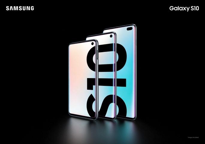 Galaxy S10 (image: Samsung Electronics)