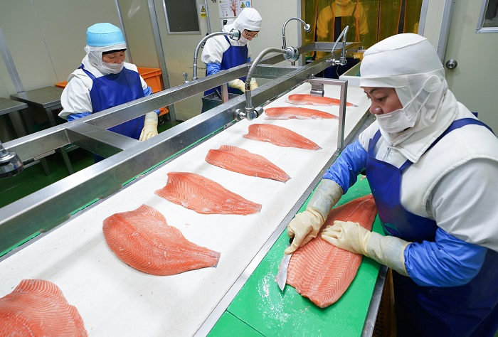 Food Companies Scramble to Develop Seafood-based Home Meal Replacements