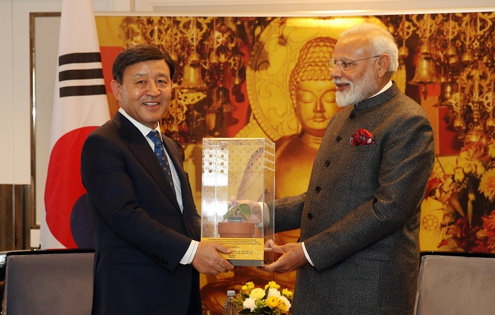 Indian PM Gifts Bodhi Tree Seedling to Gimhae