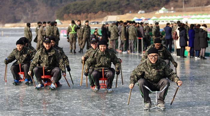 Soldiers Spice Up Festive Mood at Inje Icefish Festival