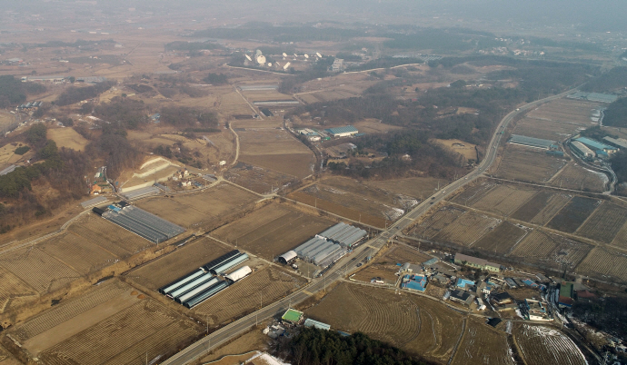 When the project is completed, Yongin will serve as a base for DRAM and next-generation memory chips. (image: Yonhap)