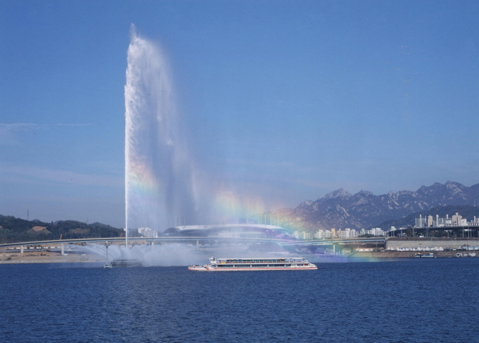 Seoul Considering Alternative Uses for Abandoned World Cup Fountain