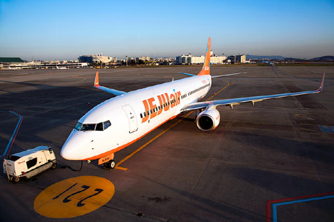 While some believe the new LCC will lead to excess supply in the industry, the majority feel that more LCCs should be introduced in the market. (image: Jeju Air Co.)