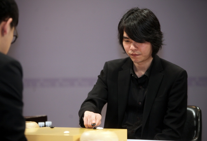 Lee Se-dol said he hasn't definitely determined his future but hinted that he is leaning towards retiring from the game. (image: Cyberoro ORO)