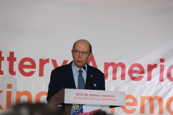 Wilbur Ross, U.S. secretary of commerce, gives remarks at the groundbreaking ceremony for South Korean energy firm SK Innovation's electric vehicle battery plant in Georgia, the United States, on March 19, 2019. (Yonhap)