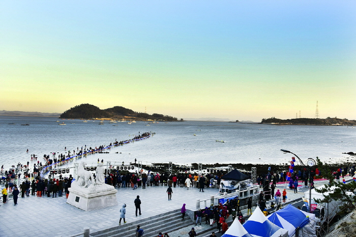 Miracle Sea Road Festival Gains Global Attention with 530,000 Visitors