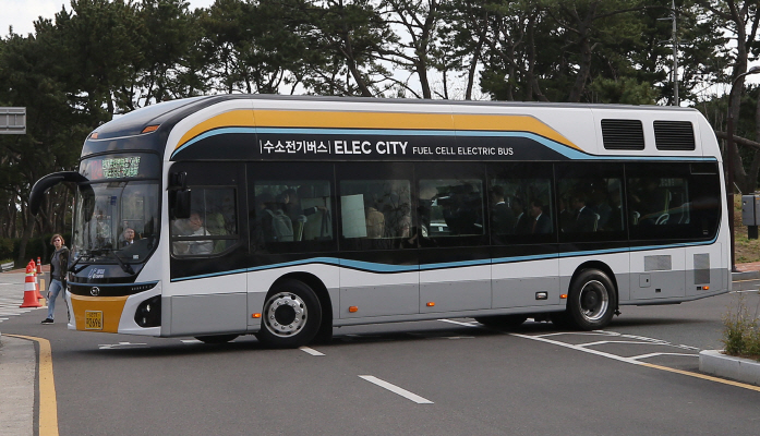 Gov't Wants 2,000 Hydrogen Buses on S. Korean Roads by 2022