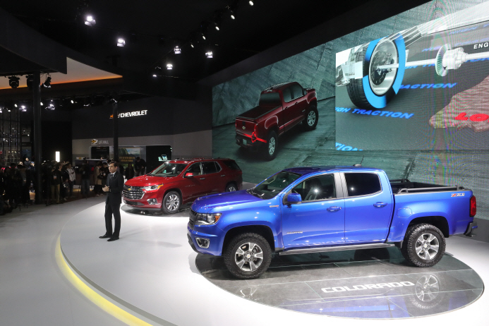 GM Korea's Traverse SUV and Colorado pickup truck. (Yonhap)