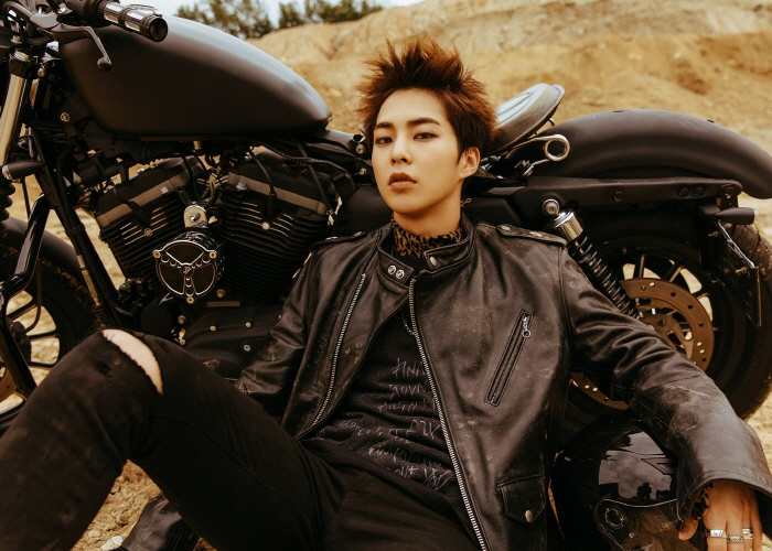 Xiumin Joins Military as 1st EXO Member to Enlist
