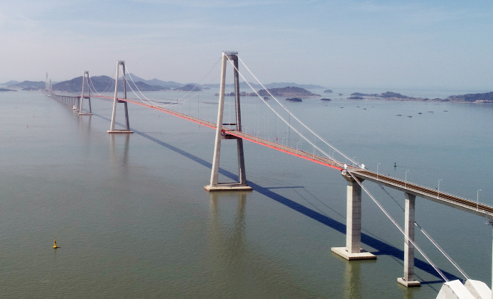 Seven Islands Became One Land via Cheonsa Bridge