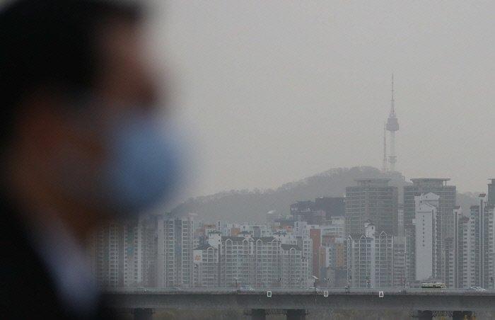 Yellow Sand Phenomenon Observed in Western S. Korea