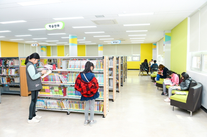 The district will form an advisory panel with professors, the Busan Cartoonists' Society and residents to reflect opinions on the composition of space and selection of comic books. (image: Yeonje District Office)